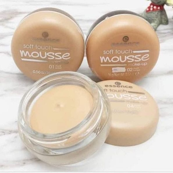 Essence Soft Touch Mousse Foundation (4)