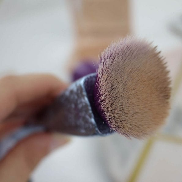 Real Techniques Singel Brush Crush Foundation Brush 301 (4)